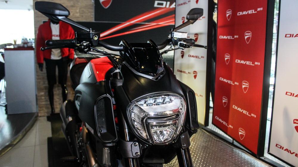 Cận cảnh Ducati Diavel 2015 vừa có mặt tại Việt Nam - 2