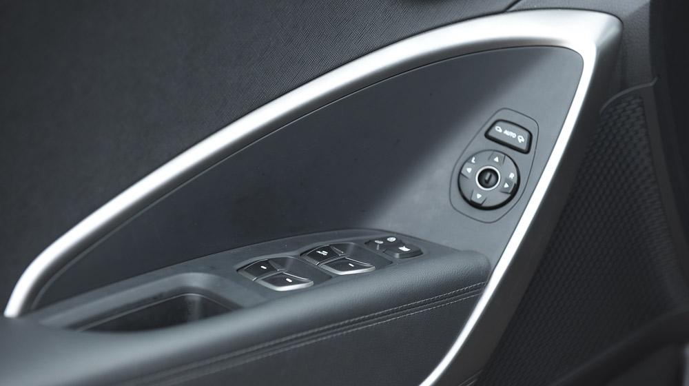 Hyundai Santafe 2014 (49).jpg