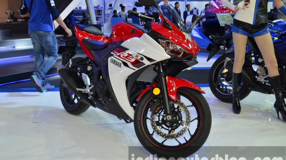 Yamaha-YZF-R3-front-quarter-at-2015-Bangkok-Motor-Show-1024x678.jpg