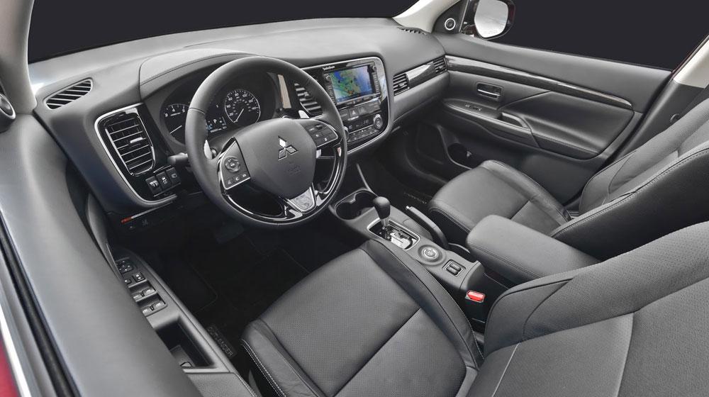 Mitsubishi Outlander 2016 Xe Mitsubishi Outlander 2016 phiên bản nâng cấp mới 2016 Mitsubishi Outlander FL 35