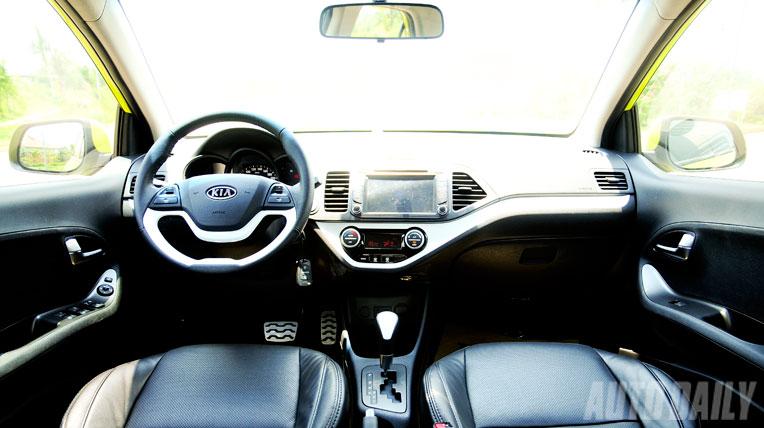 KIA_Morning (6).jpg Hyundai Grand i10 Hyundai Grand i10 sánh bước bên Kia Morning KIA Morning 20 6