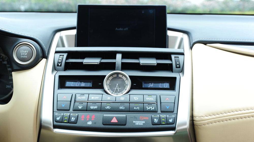 Lexus-NX-200t-noithat-(16).jpg