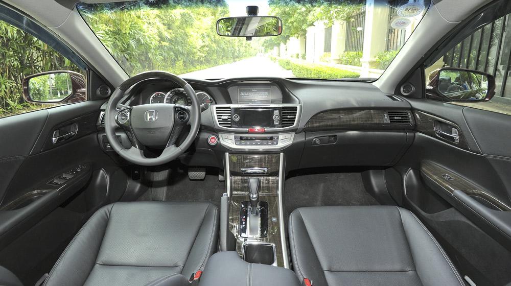 HondaAccord2015_41-1.jpg