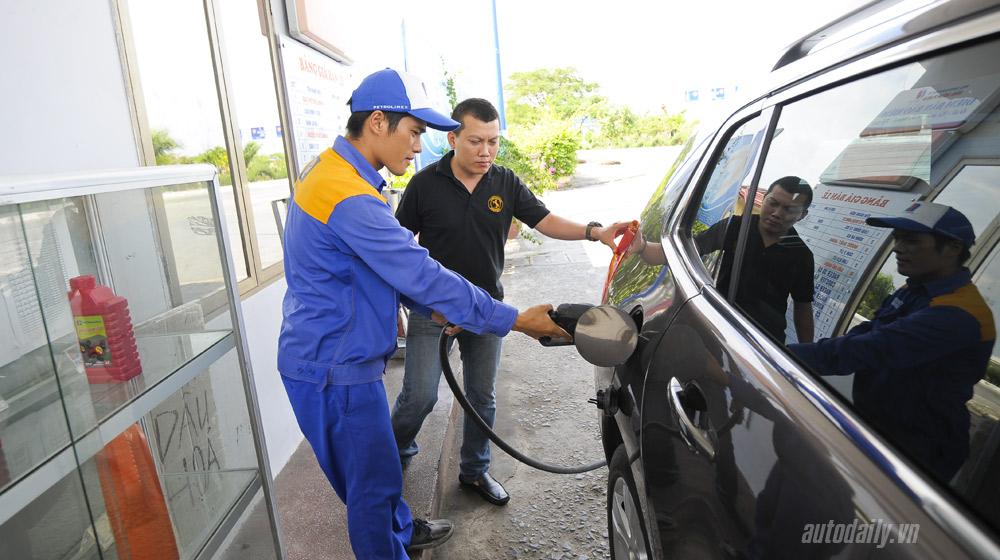 """gian lận khi đổ xăng Những mẹo bạn cần biết nếu muốn tránh bị """"móc túi"""" khi mua xăng Peugeot 203008 20 60 1"""