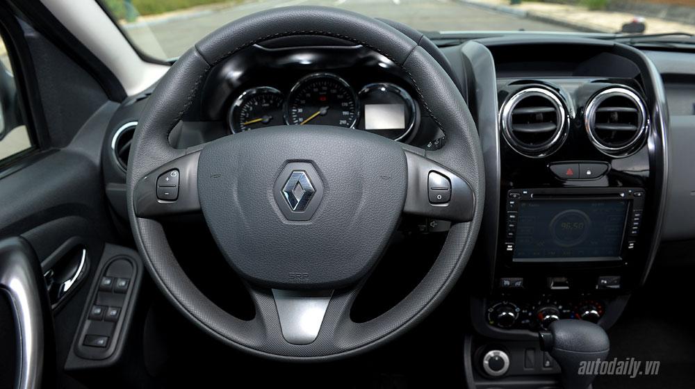 renault-duster-interior-(11).jpg