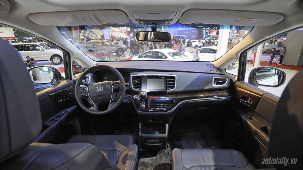 honda-odyssey-vms-2015 (10).jpg Kia Sedona Kia Sedona và Honda Odyssey - cuộc đua phân khúc Minivan honda odyssey vms 2015 20 10