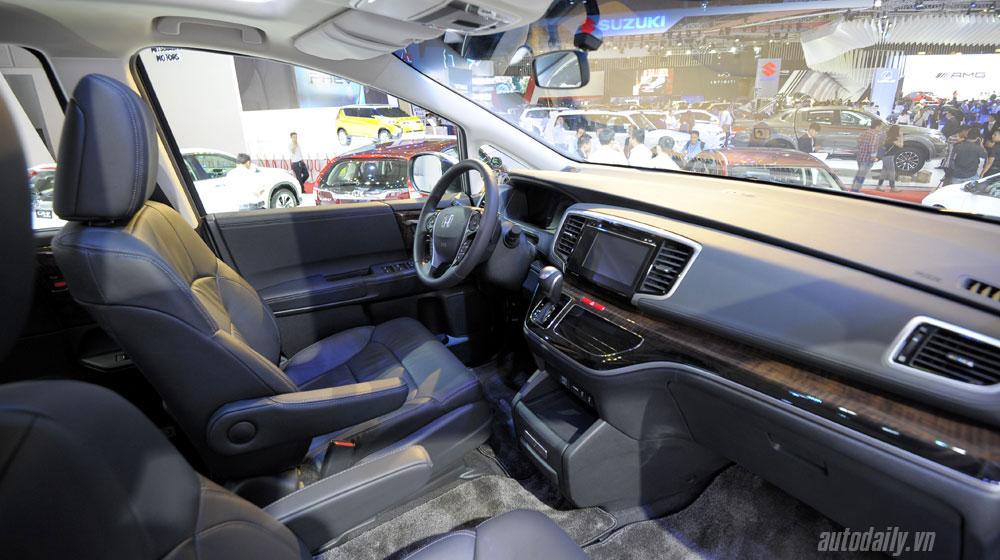 honda-odyssey-vms-2015 (11).jpg Kia Sedona Kia Sedona và Honda Odyssey - cuộc đua phân khúc Minivan honda odyssey vms 2015 20 11