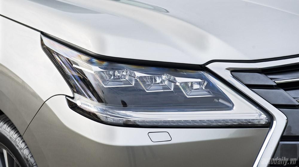 Lexus LX570 (36).jpg