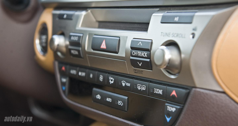 Lexus ES350 (59).jpg