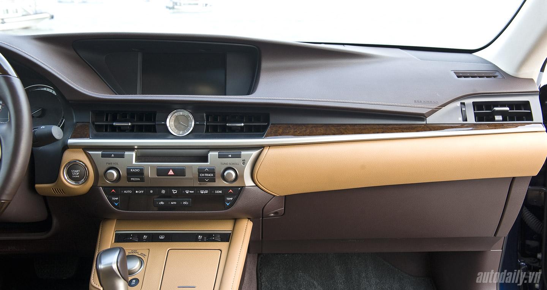 Lexus ES350 (64).jpg