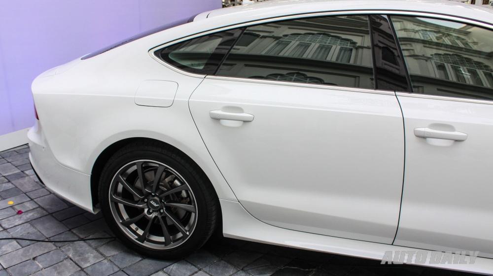 Audi A7 Sportback độ body kit RS7