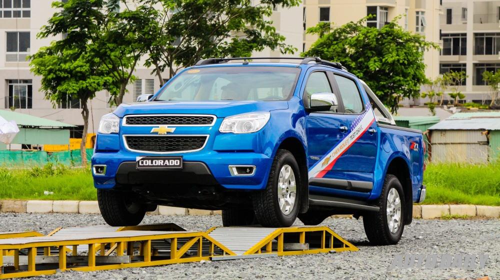 Lái thử xe Chevrolet tại Sài Gòn