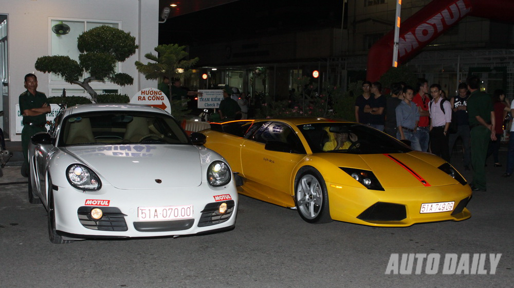 Siêu xe hội tụ tại Sài Gòn