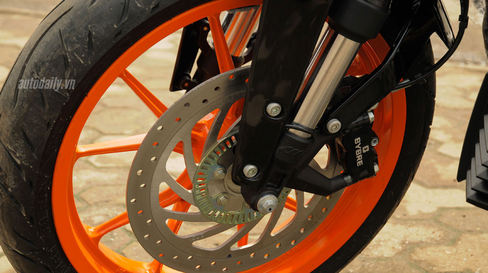 Chi tiết KTM Duke 390 ABS 2014: