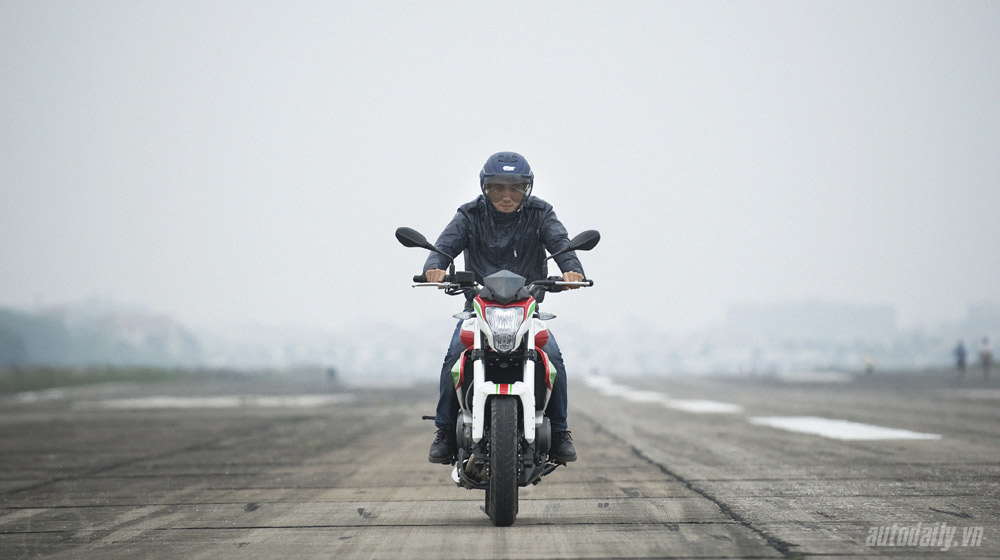 Benelli BN302 - môtô giá mềm tại Việt Nam