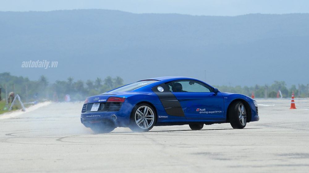 Dàn siêu xe Audi R8 V10 tại Audi Driving Experience 2015