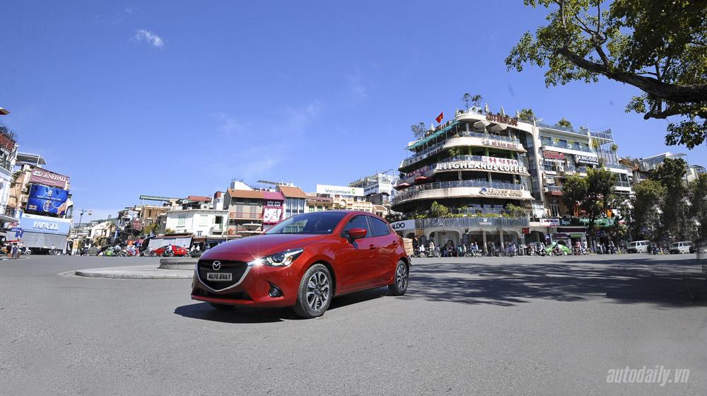Xe nhỏ đi phố Mazda2