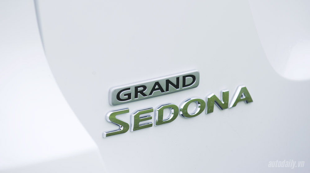 Kia Grand Sedona 2015