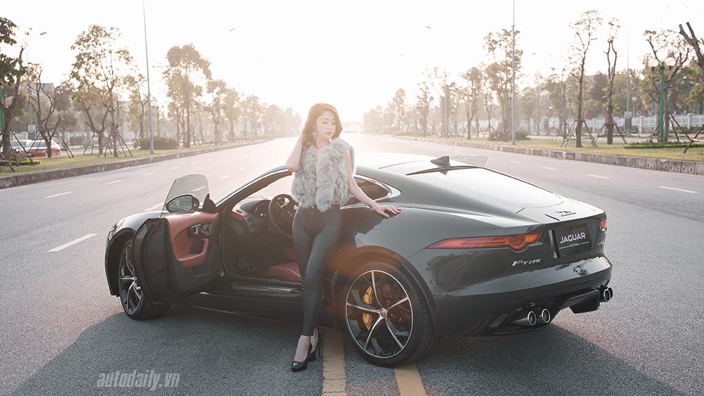 Jaguar F-type R Coupe bên người đẹp Hà Thành
